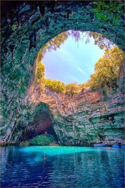 THE AMAZING WORLD: Melissani Cave, Kefalonia, Greece