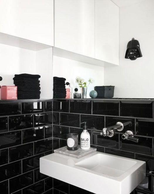 die besten 25 schwarzen fliesen badezimmer ideen auf. Black Bedroom Furniture Sets. Home Design Ideas