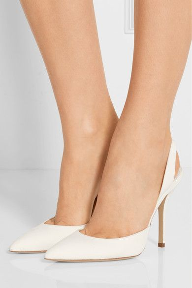 Paul Andrew's 'Passion' pumps are an elegant choice for everything from bridal events to dinners in the city. Crafted from soft suede in a timeless point-toe silhouette, this pristine pair is finished with an elasticated slingback strap to ensure a secure fit. x