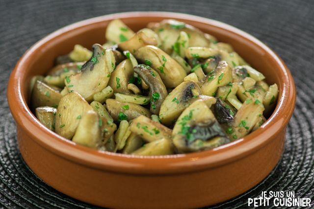 Recette de champignons à l'ail (champiñones al ajillo). Tapas espagnoles.
