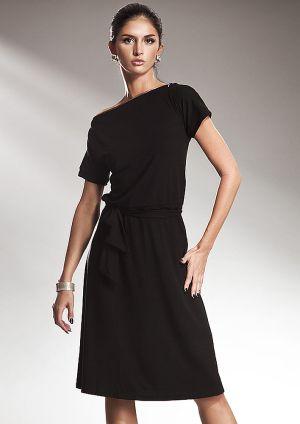 Rochie lejera din vascoza, de culoare neagra - Rochie lejera din vascoza, de culoare neagra, in stilul retro al anilor 80. Are maneci scurte, este decoltata barcuta si are decolteul bordat cu fermoar. Fusta este putin incretita in talie, se incheie cu cordon, iar partea de sus cade putin bluzata. Este o rochie practica, lejera, pe care o poti purta atat la birou cat si in timpul liber. Colectia Rochii office de la  www.rochii-ieftine.net