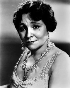 Margaret DUMONT (1882-1965) * AFI Top Actress nominee > Active 1902-10 & 1917-65 > Born Daisy Juliette Baker 20 Oct 1882 New York > Died 6 March 1965 (aged 82) California > Spouse: John Moller Jr. (1910-18, his death). Margaret DUMONT (1882-1965) * AFI Top Actress nominee > Notable Films: A Night at the Opera (1935); Animal Crackers (1930); Duck Soup (1933); A Day At the Races (1937); Never Give a Sucker an Even Break (1941)