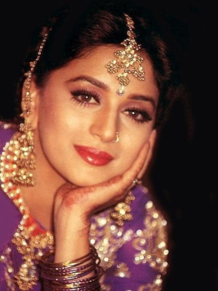 Pin by raj on madhuri pinterest bollywood teen and queens for Indian jewelry queens ny