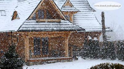 12 styczeń 2012 - zawieja śnieżna w górach, domek góralski