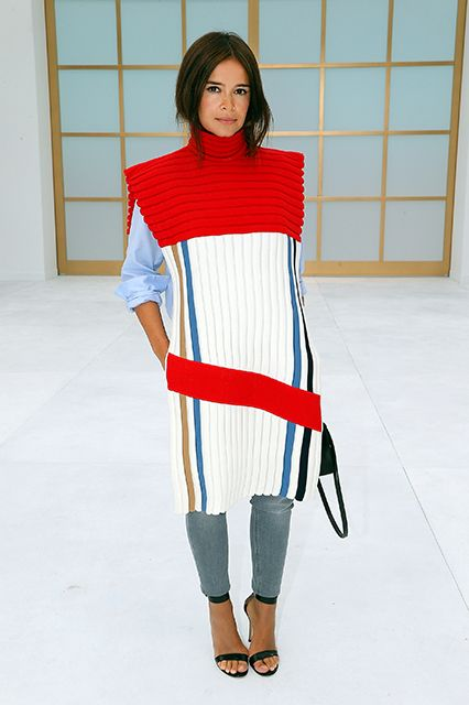 16 Fashion Risks That Seriously Paid Off #refinery29  http://www.refinery29.com/fashion-risks#slide1  Miroslava Duma's solution for a ho-hum chambray-and-skinny-jean outfit? Throw a big ol' fashion blanket over it. Done.