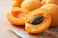 Ce que les médecins ne vous diront jamais : les noyaux d'abricot tuent les…