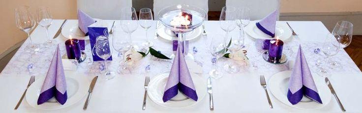 Tischdeko Lila Flieder bei Meine-Hochzeitsdeko.de