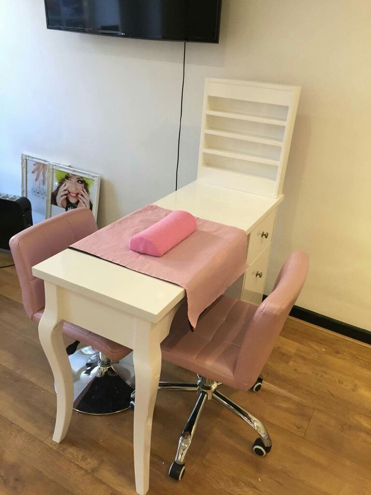 Gabinete salon designs pinterest salons salon ideas for Nail table and chairs