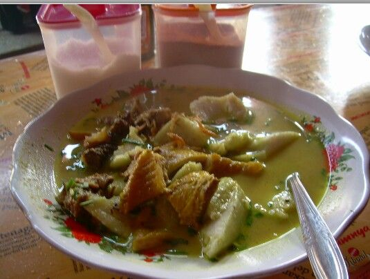 "Kuliner Khas Cirebon, ""Empal Gentong"""