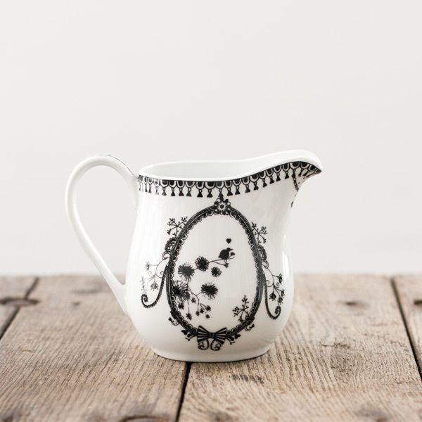 This Miss Blackbirdy Milk Jug from the Other Duckling is perfect for pouring at high tea or serving up sauce at the dinner table. Miss Blackbirdy's home ware features deliciously delicate illustrations in black & white.