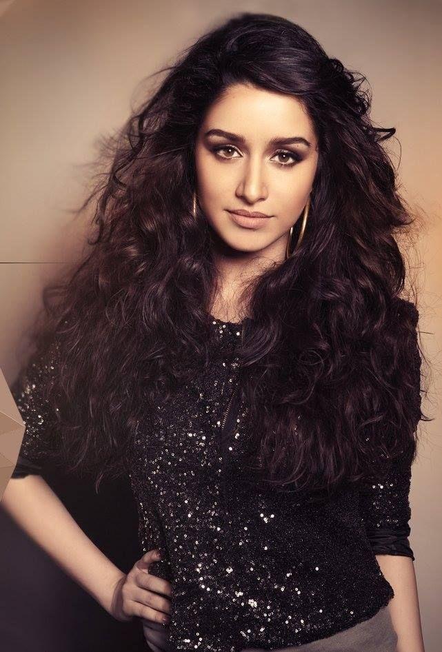 Shradda Kapoor - Innocently beautiful!
