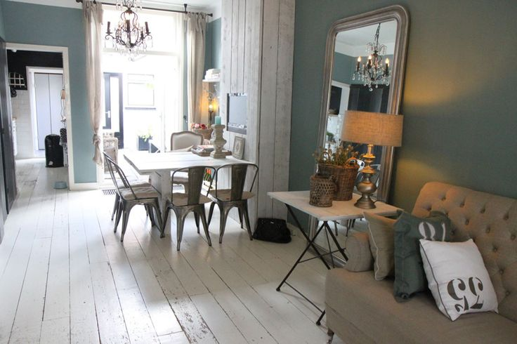 Oval room blue - another perspective from Petra Postmus »Imports and exteriors