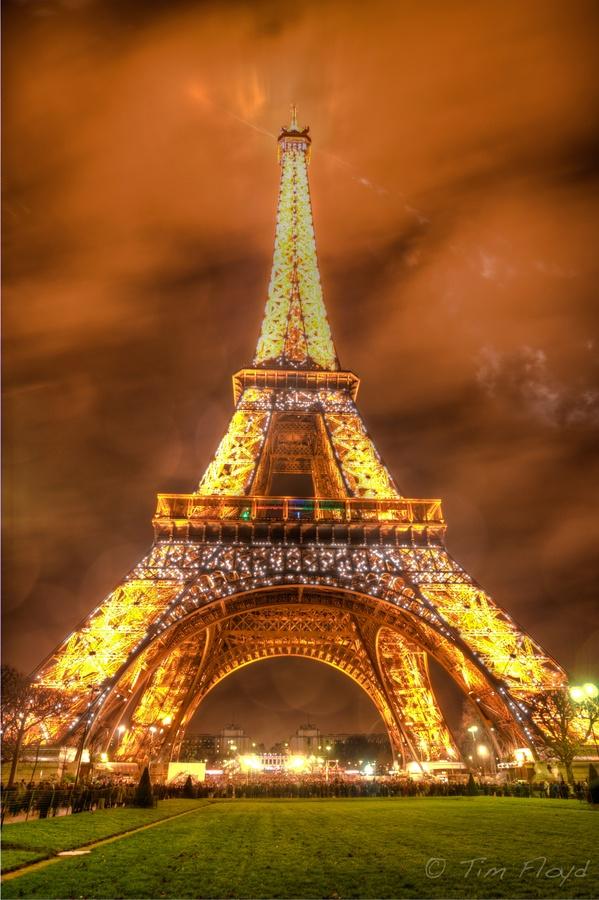 Best tour operator :  Eiffel Tower   Paris, France