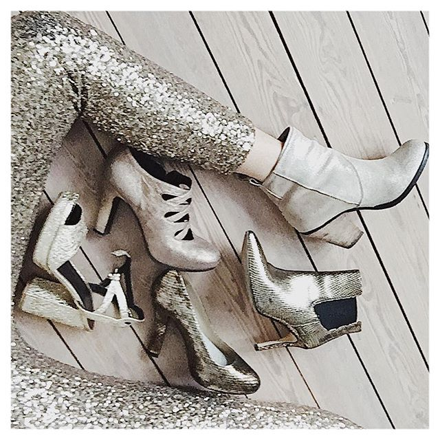Reposting @modolab: • OMG... didn't realise I had 5 pairs of golden shoes... 👽 • which one fits best? • . . . #toomanyshoesnotenoughfeet #neverenoughshoes #gold #goldenshoes #sequinpants #partyoutfit #stylist #personalstyling #stylelab #fashionlab #fashionpost #belgianblogger #modolab #shoelover #shoeporn #whatsinmycloset #picoftheday #styleinspiration #heels @essentielantwerp @superdry @lodibelgium @tiffishoes