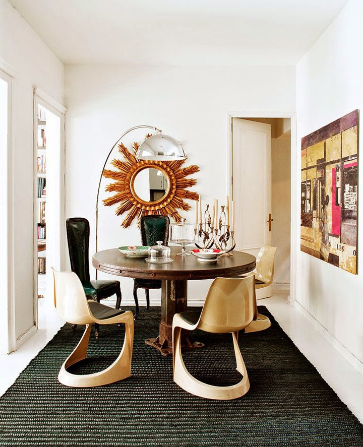 Uma decoração calorosa e elegante. Veja: http://www.casadevalentina.com.br/blog/detalhes/um-lar-caloroso-3006  #decor #decoracao #interior #design #casa #home #house #idea #ideia #detalhes #details #style #estilo #casadevalentina #diningroom #saladejantar
