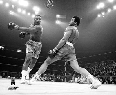 #Boxing #Frazier verses #Ali. The Fight of the Century. Madison Sq Garden 8th March 1971  http://ozsportsreviews.com/2011/11/farewell-joe-frazier/