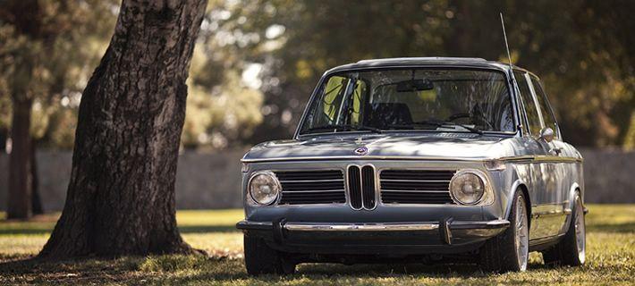 A BMW R62, primeira moto de 750 cm3 produzida pela BMW, e o BMW 315 (E21), o modelo mais antigo da marca em Portugal, são algumas das estrelas desta mostra