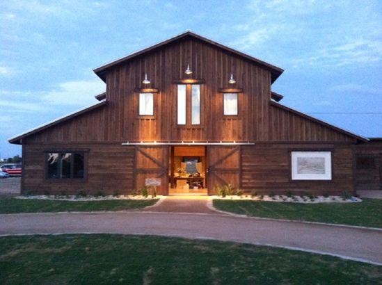 Lone Oak Barn Wedding Venue Is Nestled In The Heart Of Round Rock Texas