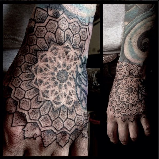 18 amazing geometric dotwork hand tattoos my style. Black Bedroom Furniture Sets. Home Design Ideas