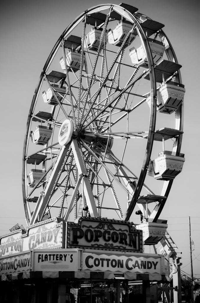 90 best wheeeeeeeeee images on pinterest roller coasters roller coaster and amusement park. Black Bedroom Furniture Sets. Home Design Ideas