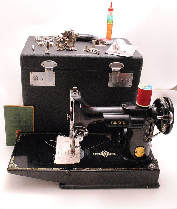 singer featherweight sewing machine 1940s 221 1 portable with case professionally serviced. Black Bedroom Furniture Sets. Home Design Ideas
