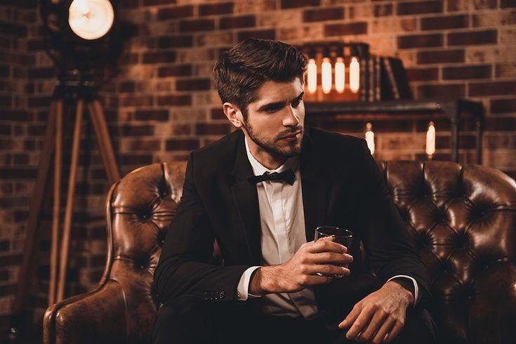 Wedding Morning: How guys can have fun getting ready for a wedding #groom #bestman #groomsmen #weddingideas