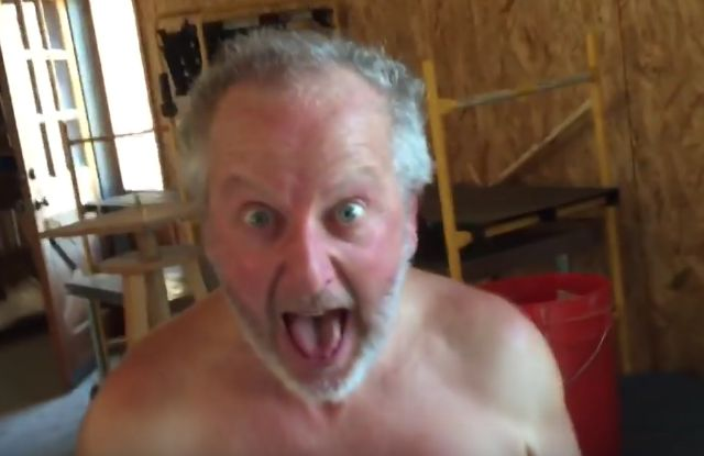 Daniel Stern aka Marv Merchants from Home Alone Resurfaces Online - http://weeklyliving.com/2016/07/27/daniel-stern-home-alone/