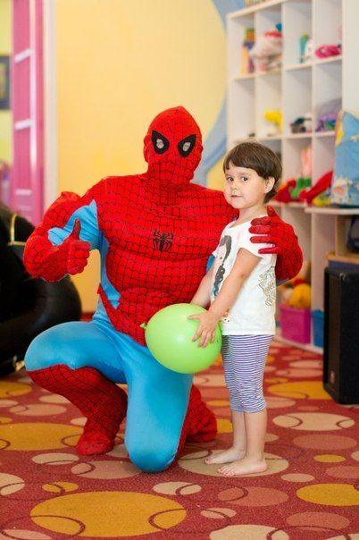 Человек-паук на детском празднике