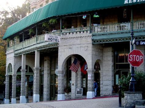 basin park hotel built in 1905 eureka springs ar ghost. Black Bedroom Furniture Sets. Home Design Ideas