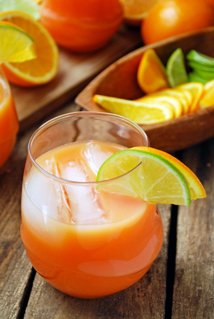 Ladies' Night Rum Punch - This sweet and simple punch is full of citrus flavors and RUM! I'm making this for my next party. Full recipe at theliveinkitchen.com