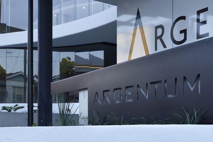 Argentum | Photography by Scott Burrows | Designed by Ellivo | www.ellivo.com | #design #architecture #garden #sign #signage