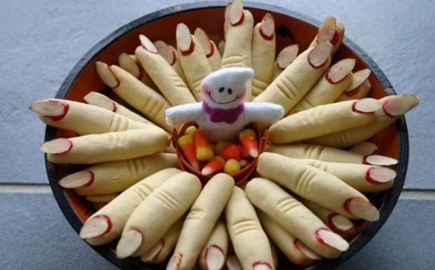 http://cucina.corriere.it/notizie/cards/dalla-torta-stregata-cervello-budino-11-ricette-paurose-fare-halloween/dita-strega.shtml