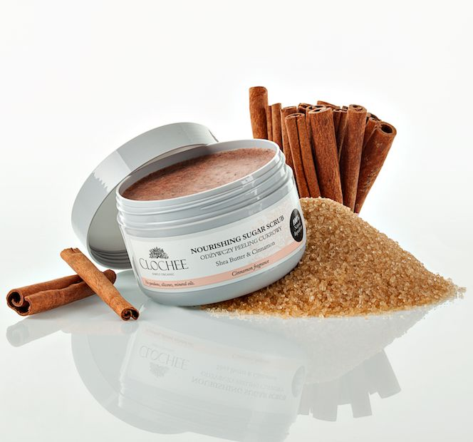 Its soothing and anti-bacterial qualities combined with revitalising, toning oils make scrub ideal for very dry skin.