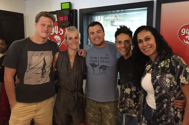 Back in the Mother City again, the teams were reunited with show host Ryan O'Connor. O'Connor is the morning breakfast drive KFM dj as well, so it was fitting that they all get together for a friendly interview.