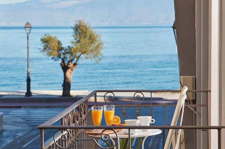 Πεντακάθαρα, γαλάζια νερά και θέα στο υπέροχο μπλε του Αιγαίου! Η θάλασσα μπροστά από το Gardens Gallery Hotel είναι ο απόλυτος προορισμός για της διακοπές σας στο Ξυλόκαστρο! Διαβάστε περισσότερα για την τοποθεσία στο http://goo.gl/g8l7Fp  Deep blue with azure shades; crystal clear waters and endless gazing to the
