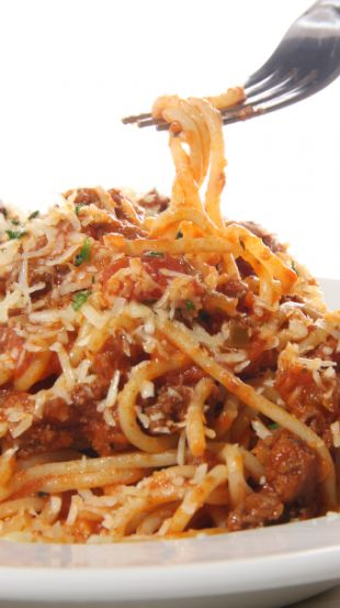 Slow Cooker Cheesy Spaghetti with Turkey Sausage    http://www.beachbodycoach.com/milesforacure