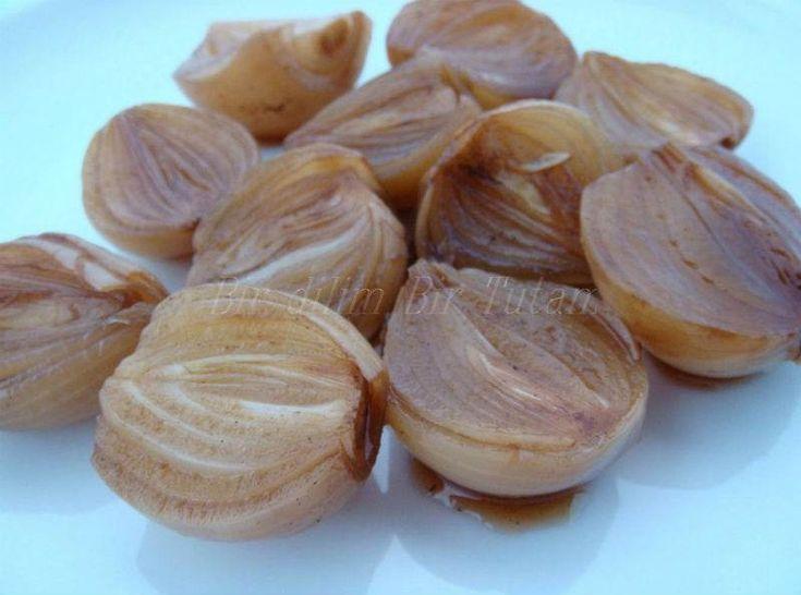 Balzamikli Soğan    -  Serap Kılınç #yemekmutfak   Balsamik sirkeli soğanın çok özel bir lezzeti var. Izgara etin veya makarnanın yanında muhteşem oluyor. Sadece salata niyetine de yiyebilirsiniz. Soğuduktan sonra sirke kokusu kalmıyor.