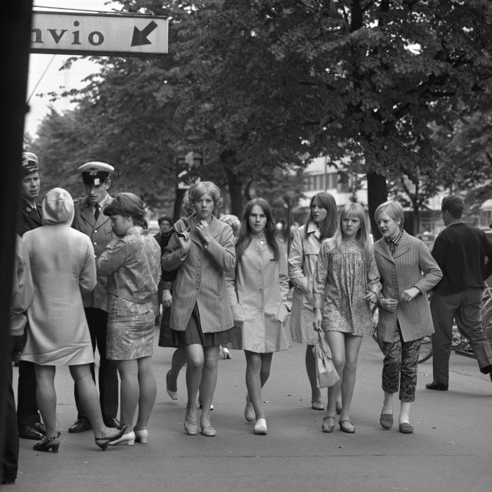 På 1960-talet började man se minikjolen i gatubilden.