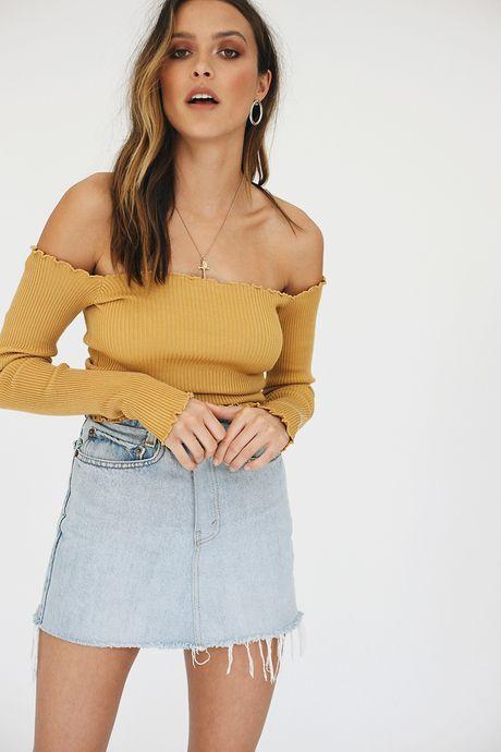 Screaming Gun Off-Shoulder Knit Top // Mustard - Verge Girl