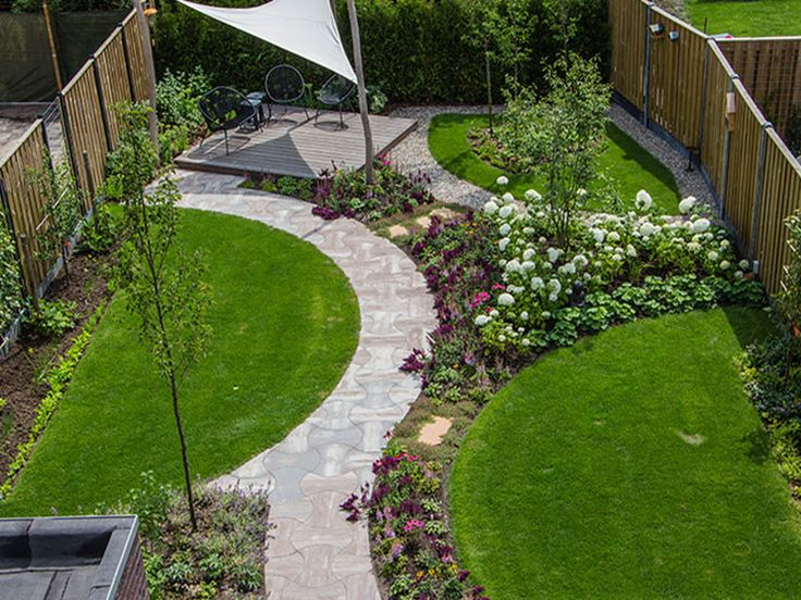 Moderne tuin met ronde vormen