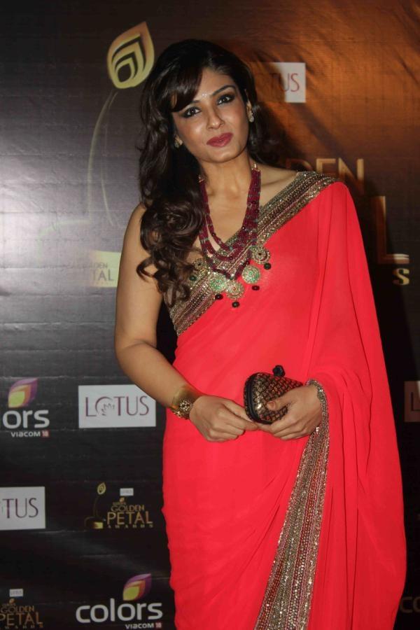 bridesmaid coral saree Indian wear