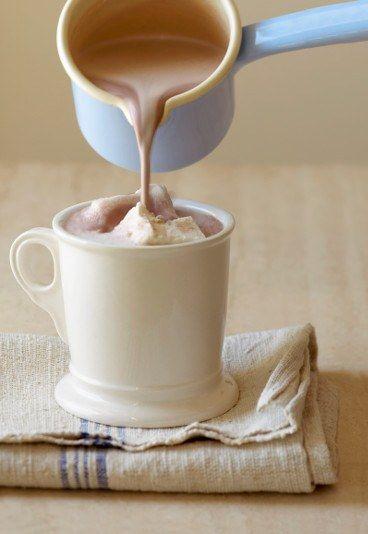 Gorąca mleczna czekolada z chałwą - Gorąca czekolada - przepisy na GORZKĄ, MLECZNĄ I BIAŁĄ