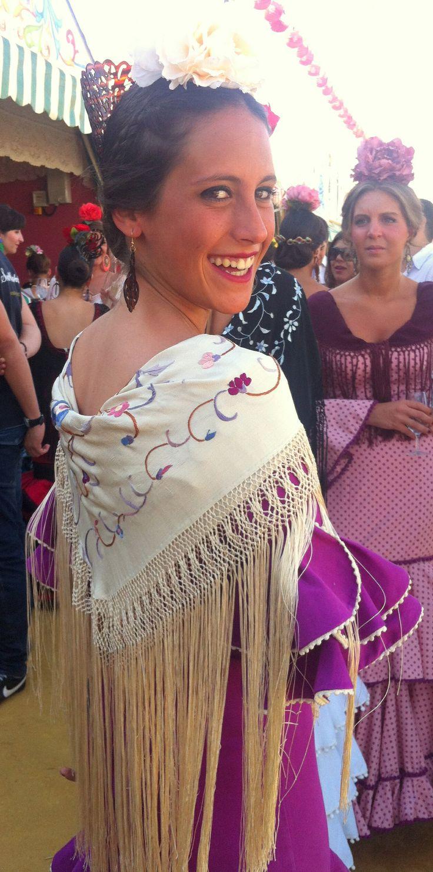 Mantoncillo beige y rosa en la Feria de Sevilla 2014