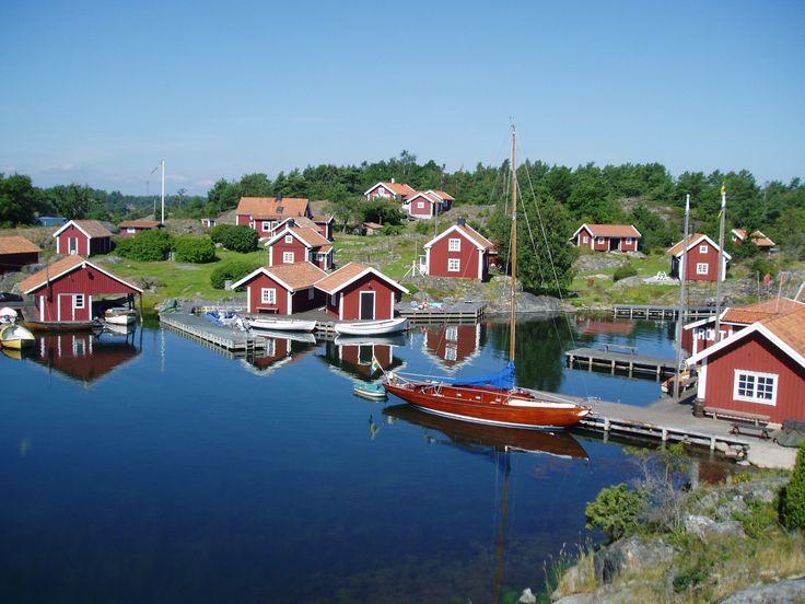 Lake Mälaren   ....celebrated my 21st birthday near here......