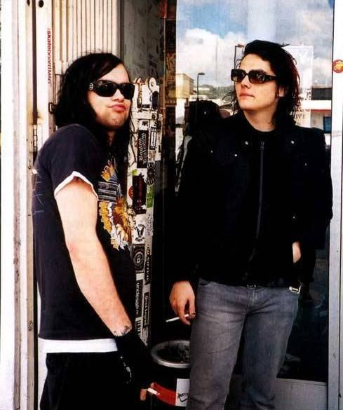 Bert McCracken of The Used and Gerard Way of My Chemical Romance. I <3 these men.