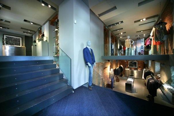 Interior de la tienda Just One en la c/ Villanueva 28, Madrid.    http://www.justone.es/