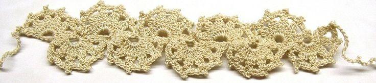 Crochet bracelet beige.