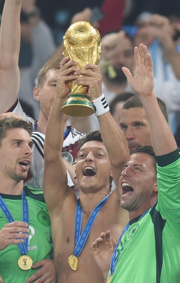 WM 2014 : Deutschland gegen Argentinien live  WELTMEISTER!