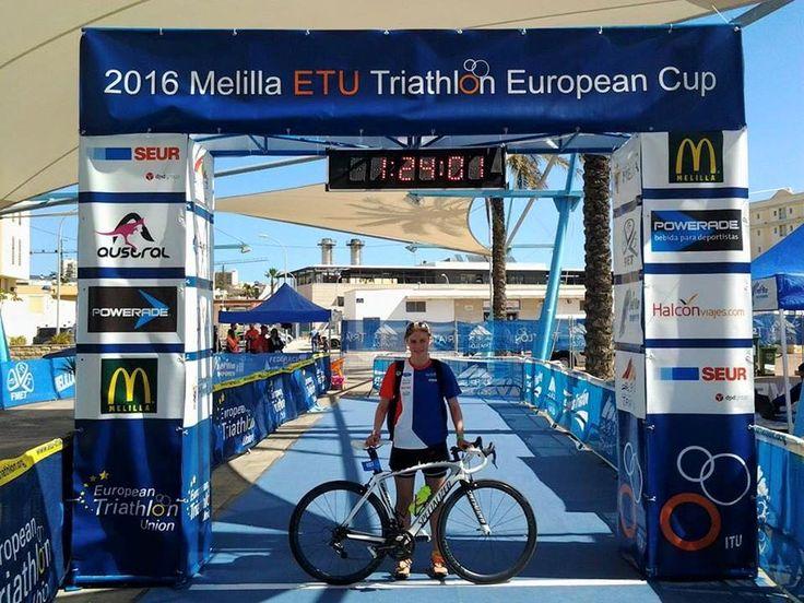 Česká juniorská triatlonová reprezentantka Simona Šimůnková přivezla z Evropského poháru juniorů ve španělském městě Melilla 4. místo.