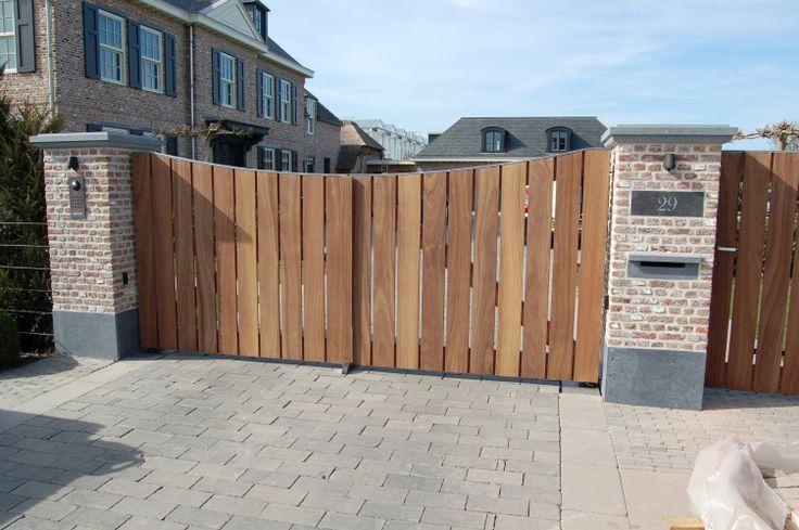 geautomatiseerde houten poort